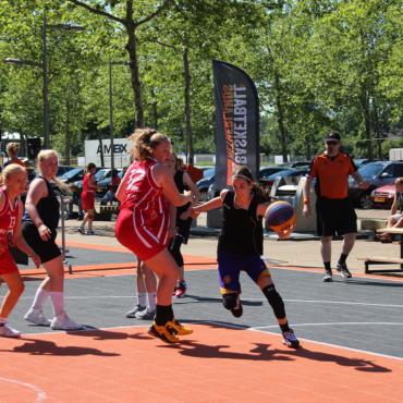 WE HERE Fryslân organiseert 3×3 basketball clinics