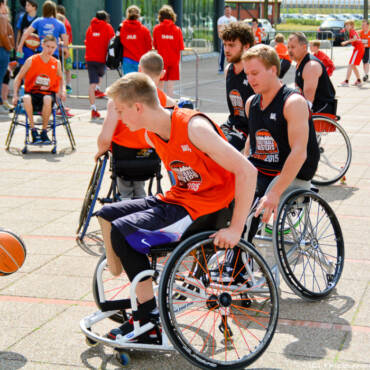 WE HERE Fryslân presenteert 3×3 basketball on wheels